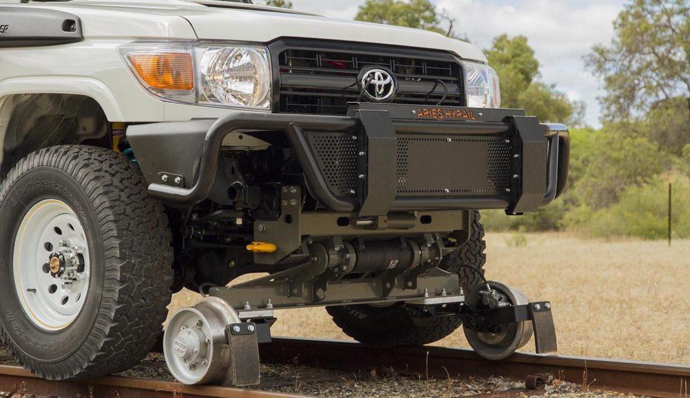 Hyrail Land Cruiser - Standard Gauge