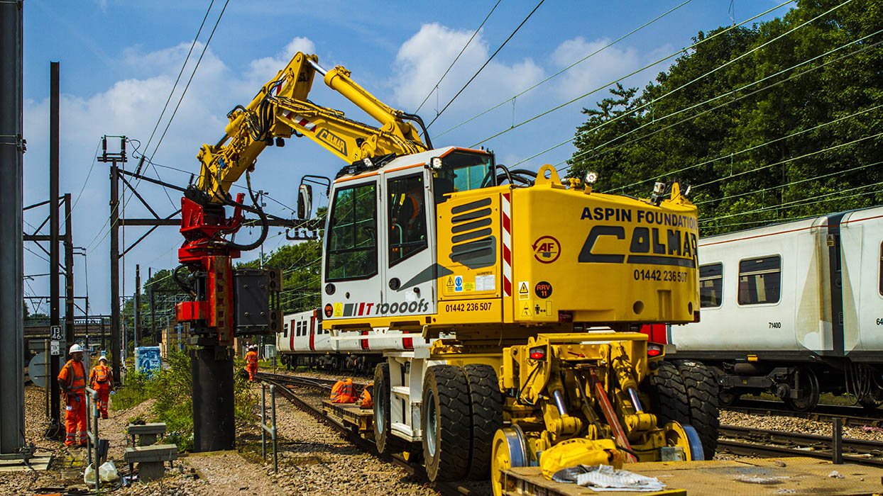 ColmarT10000FS road-rail excavator