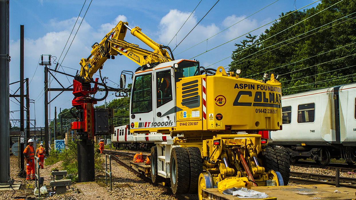 Hi rail excavator